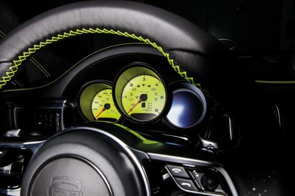 techart_for_porsche_macan_steering_wheel_0.jpg