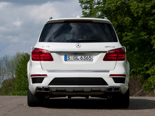 2013-Mercedes-Benz-GL-63-AMG-Rear.jpg