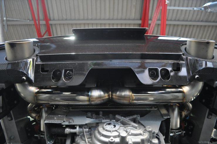 フェラーリ 488GTB ダウンサス ローダウン マフラー交換
