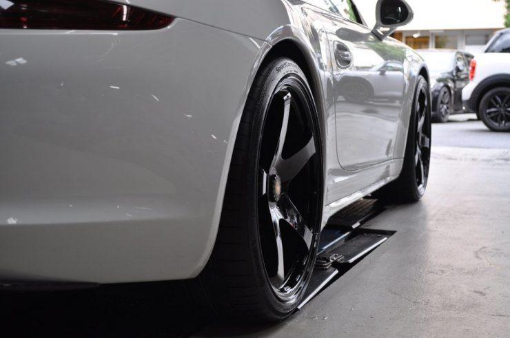 ポルシェ 991 GTS センターロック ホイール交換 カスタム