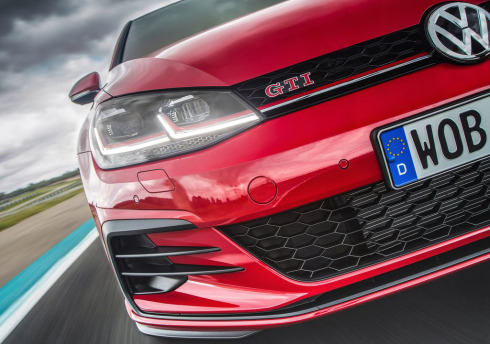 Volkswagen-Golf_GTI_Performance-2017-1024-1e.jpg