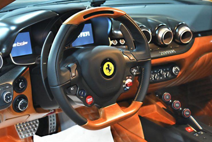 フェラーリ F12TDF テーラーメイド ノヴィテックロッソ