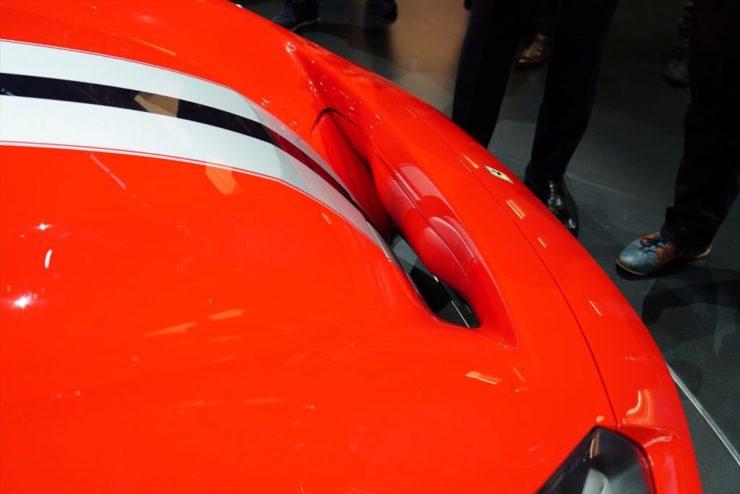 フェラーリ 488ピスタ スペチアーレ 488GTB