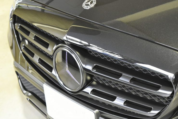 W213 フロントグリル ペイント