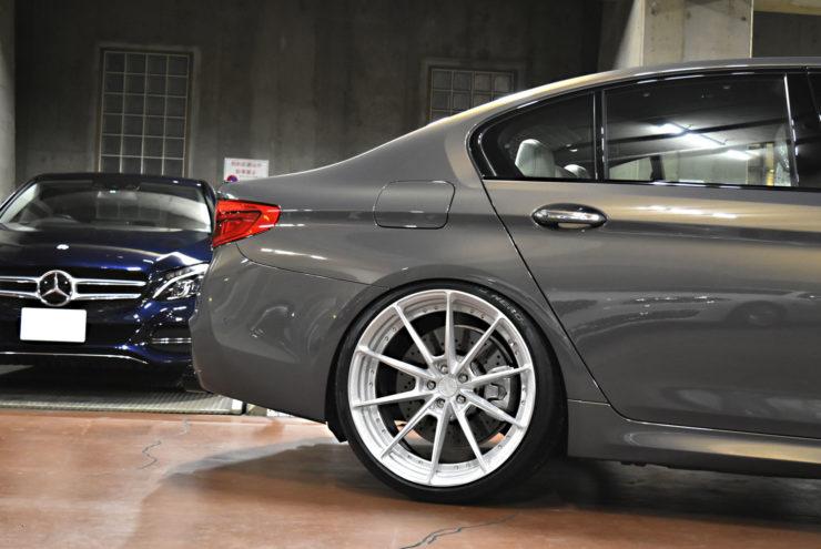 BMW F90M5 マフラー ダウンサス ローダウン ホイール 22インチ アナーキー HRE ハイパーフォージド BCフォージド ADV.1
