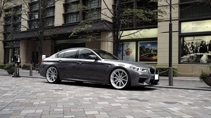 BMW F90M5 M5 KW アナーキー 22インチ