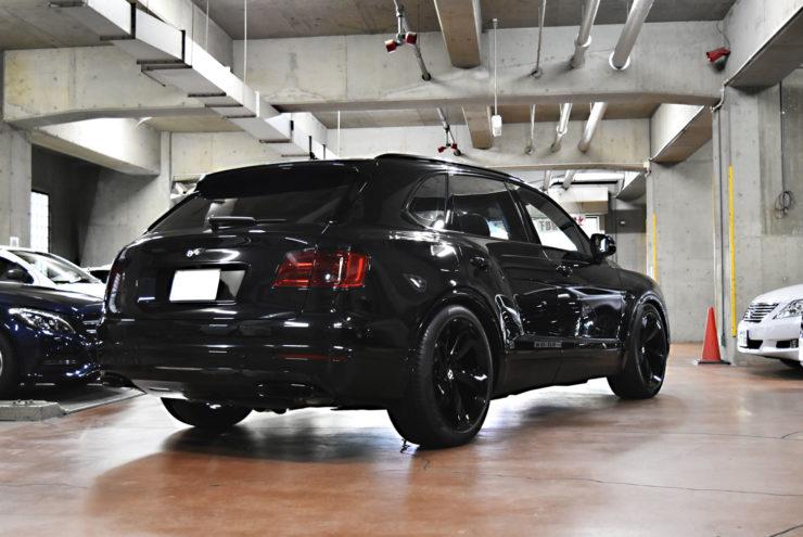 ベントレー ベンテイガ V8S ブラックアウト ラッピング ローダウン
