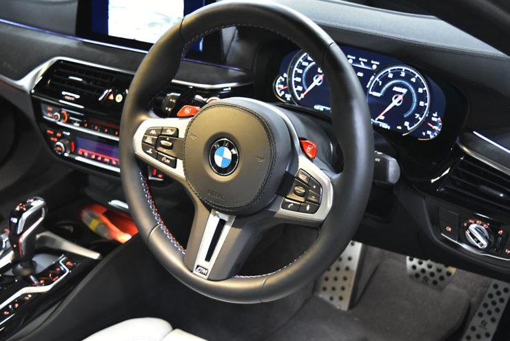 BMW M5 F90 ステアリング パドルシフト