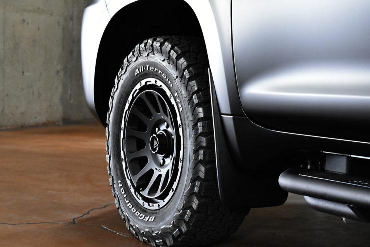 デルタフォース オーバル オフロード タイヤ ゴツゴツタイヤ リフトアップ