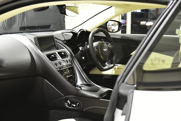 アストンマーティン DBS スーパーレジェーラ DB11 ヴァンテージ カスタム ペイント ラッピング
