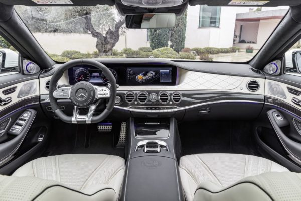 Mercedes-AMG-S-63-4MATIC-interior-1-.jpg